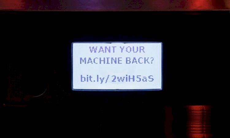 Pesquisador invade cafeteira IoT